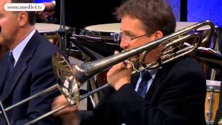 Waldbühne 2011: Riccardo Chailly conducts Shostakovich's Waltz 2