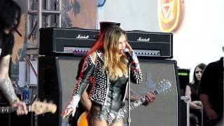 Slash and Fergie @ 2010 SSMF 1080p HD