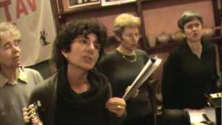 Coro multietnico Romolo Balzani canta Addio Lugano Bella