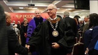 Investidura del Dr. John Meyer como presidente de Hodges University
