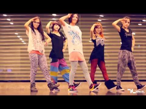 卓文萱 Genie Chuo【不要不要】台視、三立華劇「小資女孩向前衝」片頭曲 Official Dance Version Music Video - YouTube