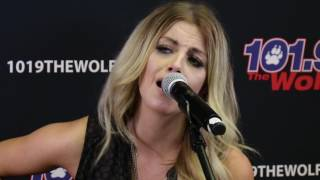 "Lindsay Ell with Chase Bryant ""Waiting On You"""