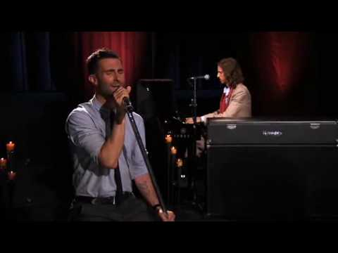 maroon-5-she-will-be-loved-live-on-walmart-soundcheck-mvpcdo