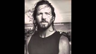 Eddie Vedder LIVE - Cant Help Falling in Love With You