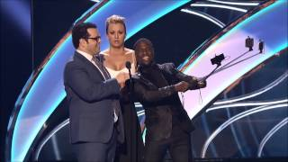 Kevin Hart Selfie Stick People's Choice Awards 2015