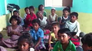 Parabéns pra você na  Premametta School- Índia 015