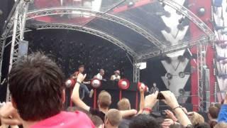 Defqon.1 Festival 2011 - Main Stage - Headhunterz vs Psyko Punkz - Disrespect (HQ)