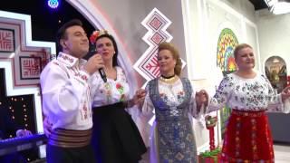Valentin Sanfira Merg pe drum cu capul gol