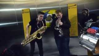 TOO MANY ZOOZ in France (Rennes)