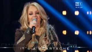 """Bonnie Tyler - """"It's A Heartache"""" Live 2013"""