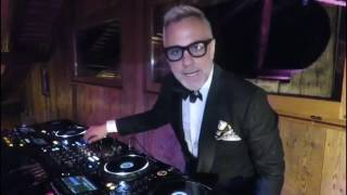 Gianluca Vacchi dj set: let the party started