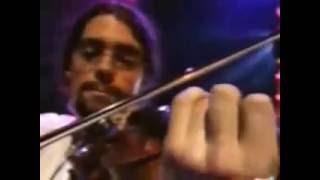 Enrique Urquijo y Quique González - Aunque tú no lo sepas -
