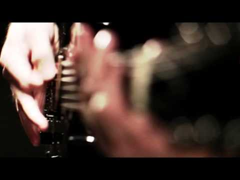 Overkill Exposure de Living Sacrifice Letra y Video