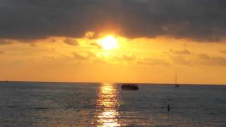 Waikiki Hawaii Sunset with Hawaiian Music