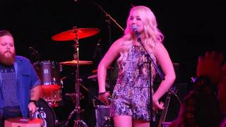 Raelynn covers All About That Bass