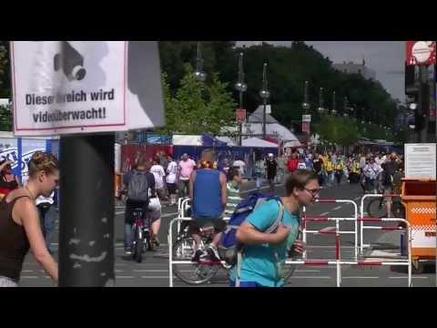 Deutschland – Dänemark 2:1 Fanmeile 2012 in Berlin füllt sich langsam