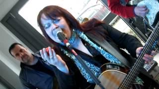 Gabi Liedtke singt Stop von Sam Brown live