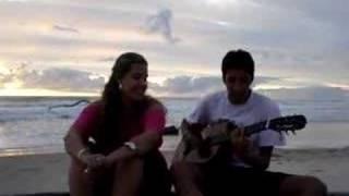 Bernardo e Carol cantando Saber Voar