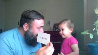 American Baby Learning Portuguese (Fofinha Americana Aprendendo Português)