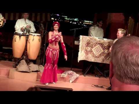 Belly Dancer at morocco pavilion (2).mp4