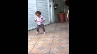 ** Sophia dançando  funk 2013