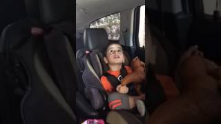 Kio and Kay en el car wash