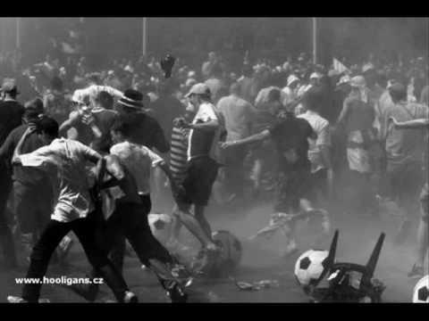siekiera-wojowniku-zabij-ich-michal-mikina