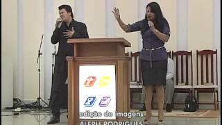 Donizete e Maria mendes se apresentaram em igreja Quadrangular de Lucas