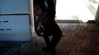 Ana Clara Dançando Rebolation.