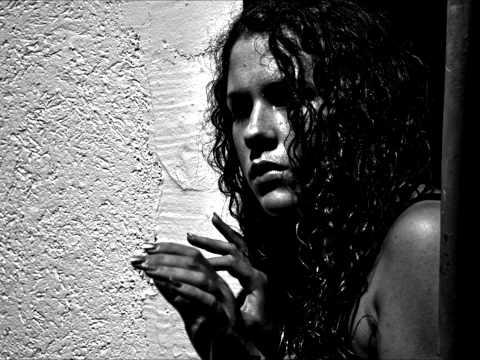 Disappear de Katy B Letra y Video