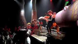 Ke$ha - Tik Tok (Live in St. Paul, MN)