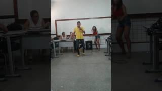 Canto pica Pau apresentação na escola Paulo Freire turma 204