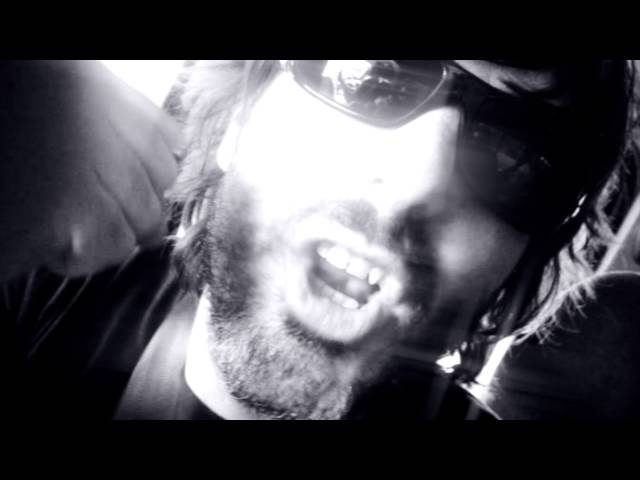 """Videoclip especial de """"On the Road""""."""