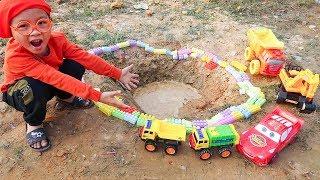 Funny children's kindergarten car toys Excavator & Dump Trucks pretend play w/ Dave Mario