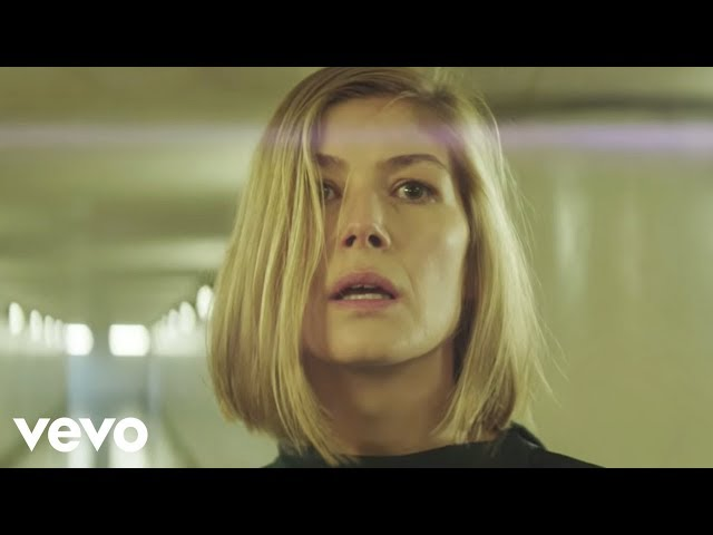 Massive Attack, Young Fathers - Voodoo In My Blood