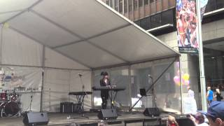 "Christina Parie - ""Glitter In The Air"" (Pink Cover) (Live In Martin Place)"