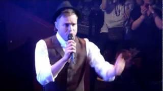 Gary Barlow - Shine feat. Olly Murs - RAH (5/12/11)