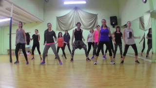 Chained to the rhythm - Katy Perry Cover - Pau Peneu dance Fitness Coreograpy