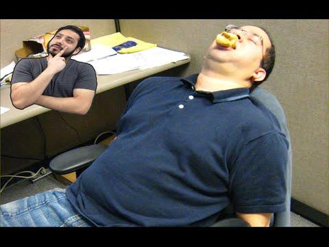 لماذا ننعس بعد الأكل؟ Postprandial somnolence