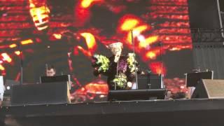 Björk- Army Of Me- GovBall NYC 2015 - (7/13) - 1080p