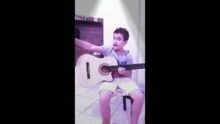 Ryan tocando violão Galileu