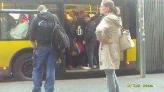 Die Dummheit vieler BVG-Fahrgäste ist grenzenlos (15.10.2014)