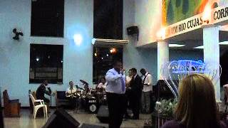 Dc° Luciano Louvando corinhos de fogo no Congresso da Juventude de Tomazinho 2011