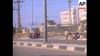 GAZA: PALESTINIANS/ISRAELIS IN GUN BATTLE