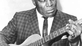 Howlin' Wolf - Moving