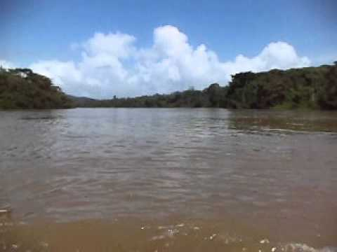 Navegando en la confluencia del río Sarapiquí con el río San Juan
