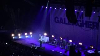 Wonderwall - Liam Gallagher of OASIS Live in Manila 2017