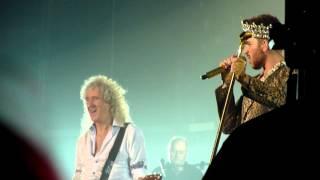 HD - Queen + Adam Lambert - We Will Rock You (live) @ Stadthalle Wien 2015 Austria