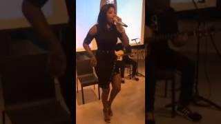 """Ludmilla - Sou Eu ( lançamento  """"A Danada Sou Eu"""" em evento na sede do Twitter em SP via Periscope)"""