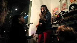 """Miss Bolivia y Loli Molina en """"Mercurio Disquería"""": """"Re Loco"""""""